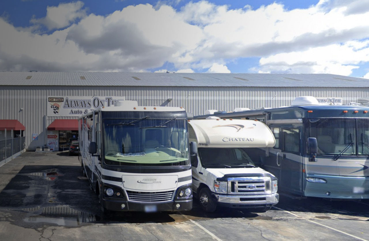 RV REPAIRS</br>On Time </br>& Done Right